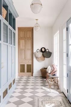 Mudroom Cubbies, Mudroom Cabinets, Mudroom Laundry Room, Laundry Area, White Kitchen Floor, Checkered Floor Kitchen, Checkered Floors, White Tiles, White Tile Floors