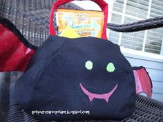 PB Bat Tote Knockoff Tutorial Halloween Treat Bags, 31 Days Of Halloween, Halloween Bats, Halloween Candy, Halloween Sewing, Halloween Projects, Interfacing Fabric, Leftover Fabric, Sewing For Beginners