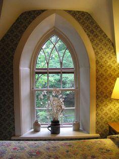 i adore gothic windows