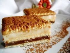 Prajitura Rapida cu Biscuiti si Budinca | Retete Culinare - Bucataresele Vesele No Cook Desserts, Just Desserts, Dessert Recipes, Good Food, Yummy Food, Hungarian Recipes, Romanian Recipes, Romanian Food, Kakao