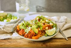 Bursting with bold, Tex-Mex flavour, these slow cooker sweet potato and black bean enchiladas might just become a part of your weekly dinner menu. Veggie Recipes, Healthy Dinner Recipes, Vegetarian Recipes, Pescatarian Recipes, Veggie Meals, Veggie Food, Mexican Recipes, Slow Cooker Casserole, Slow Cooker Enchiladas