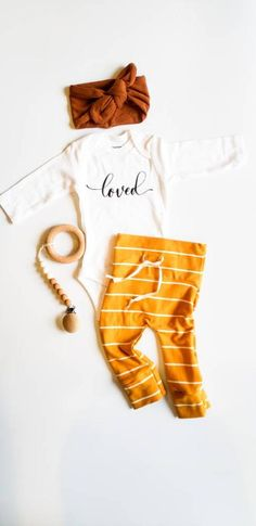 Baby Girl Fall Outfits, Baby Girl Pants, Newborn Girl Outfits, Girls Pants, Baby Girl Fashion, Girls Coming Home Outfit, Take Home Outfit, Baby Girl Sweaters, Fall Clothes