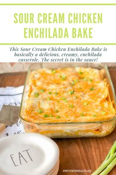 This Sour Cream Chicken Enchilada Bake is basically a delicious, creamy, enchilada casserole. Made with shredded chicken, sour cream, & diced green chilis! Casserole Enchilada, Chicken Enchilada Bake, Enchilada Recipes, Green Chicken Enchilada Casserole, Mexican Casserole, Breakfast Casserole, Mexican Dishes, Mexican Food Recipes, Mexican Appetizers
