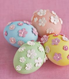 DIY Elegant Eggs by countryliving  #Easter_Eggs