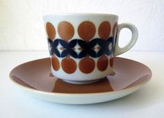 ARABIA OF FINLAND Tablewares, Vintage Pottery, Pattern Ideas, Scandinavian Design, Cup And Saucer, Finland, Coffee Cups, Retro Vintage, Porcelain