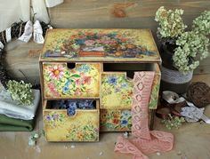 Mini chest with 4 drawers in vintage style por DecoDvorik en Etsy