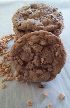Cinnamon Toffee Pecan Cookies: ingredients, directions, and special baking tips from The Elf to make these easy drop cookies, a winner from Pillsbury Bakeoff® #39.
