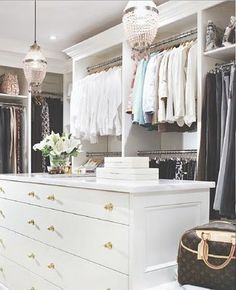 a huge walk-in closet..liz i gotta make this happen!!!