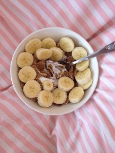 Food Pyramid, Oatmeal, Banana, Breakfast, Healthy, Breakfast Cafe, Bananas, Ecological Pyramid, Rolled Oats