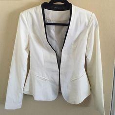 Ark & Co Blazer Black and white Ark & Co blazer. Long sleeves. Like new condition. Ark & Co Jackets & Coats Blazers