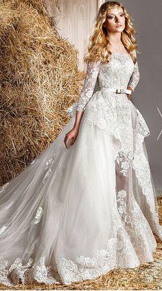 #Highquality #weddingdress #lace #longsleeves #bridal #wedding #dress #offtheshoulder #weddingdress #tulle #weddinggowns #ballgowns #bridalgowns #bridaldress #applique