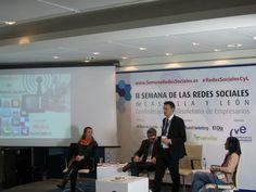Con Laura de Miguel, Emiliano Pérez y Laura Cuesta en la II Semana de Redes Sociales de Castilla y León.