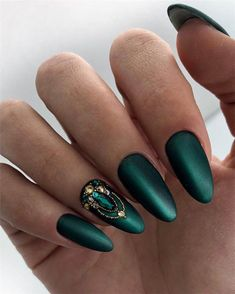 Pretty & Easy Gel Nail Designs to Copy in 2019 Gel nail designs is an artificial nail that is closest to natural nail art. The gel nail is similar Simple Nail Designs, Acrylic Nail Designs, Nail Art Designs, Nails Design, Acrylic Nails, Short Oval Nails, Natural Nail Art, Hard Gel Nails, Nailart