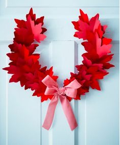 Canada Day wreath - Made from red paper maple leafs - Paper Holiday Decorations by Sarah Hartill for Canadian House & Home Canada Day Party, Canada Day 150, Happy Canada Day, Fall Crafts, Diy And Crafts, Paper Crafts, Leaf Crafts, Canada Day Crafts, Canadian House