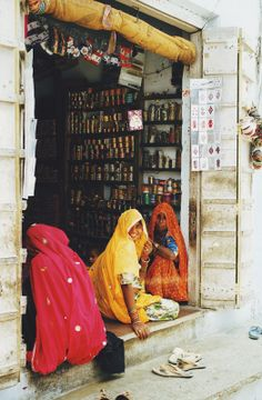 Women of Rupnagar village sitting on the threshhold of a shop selling bangles Northeast India, North India, Shopping Places, Places To Travel, Namaste India, Village Photography, Rural India, Indian Colours, India And Pakistan