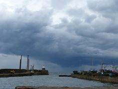 storm clouds arriving at Pittenweem during the Pittenweem Arts Festival - take cover!