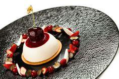 Cheesecake Philadelphia, corolle de fruits rouges. © Thierry Caron