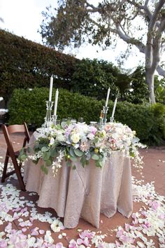 pretty sweetheart table