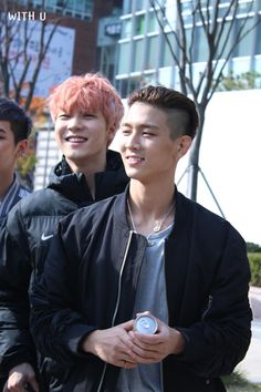 Oooh h.o and his cute smile and jota <3
