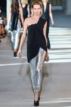 Costume National Spring 2014 Ready-to-Wear Fashion Show Collection