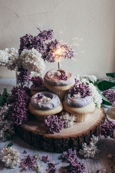 Petit Fours / Wedding Style Inspiration / LANE adorable lavender cupcakes that are super sexy Pretty Cakes, Beautiful Cakes, Amazing Cakes, Mini Cakes, Cupcake Cakes, Sparkler Candles, Lavender Cupcakes, Think Food, Birthday Cupcakes