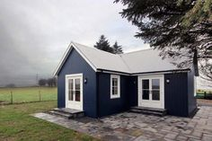 The Wee House Company offers the details of setting and impressive interior appearance for tiny house under 500 sq ft. Adjustment that is applied like this