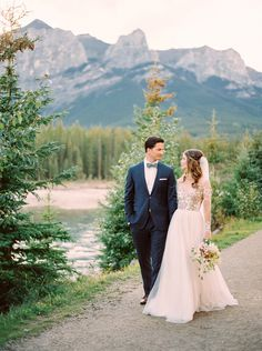 Mountain Elopement | Canmore Wedding Photographers | Justine Milton Photography | Canadian Rocky Mountains | As Seen On Once Wed | Hayley Paige