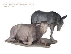BUEY y MULA. Figuras de belén/pesebre, de pasta cerámica policromada, de 30 cm. Autor José Luis Mayo Lebrija. Novedad 2014.