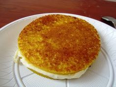 Colombian Food: AREPA DE Maiz... Remember to make them thicker so I can stuffed them with cheese.