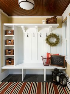 Absolutely fabulous mudroom entry design ideas This for the utility room bench area. Electrical sockets in couple of the shelves for charging station.This for the utility room bench area. Electrical sockets in couple of the shelves for charging station. Country Entryway, Entryway Ideas, Entryway Storage, Shoe Storage, Entryway Hooks, Mudroom Storage Ideas, Country Living, Hall Bench With Storage, Small Mudroom Ideas