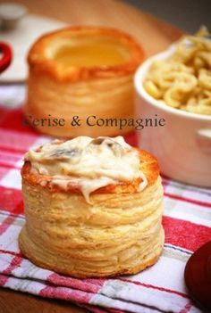 Discover recipes, home ideas, style inspiration and other ideas to try. Savory Pastry, Puff Pastry Recipes, Tart Recipes, Appetizer Recipes, Dessert Recipes, Desserts, Cooking With Ground Beef, Cooking Roast Beef, Vol Au Vent