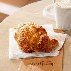 Junipa's Café and Bistro Baked Potato, Restaurants, Baking, Ethnic Recipes, Food, Bakken, Eten, Restaurant, Bread