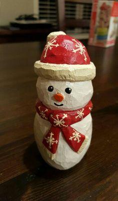 Carving   Folk Snowman by J.Chase   Pattern by Cyndi Joslyn