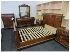 HANDMADE CHERRY STAIN FINISH 5PC BEDROOM SET ( QUEEN SLEIGH BED;DRESSING TABLE & MIRROR; 5- DRAWER CHEST & 3- DRAWER NIG How To Dress A Bed, Mirror Table, Bedroom Set, Dressing Table Mirror, Furniture, Bed, Toddler Bed, Home Decor, Furniture Auctions
