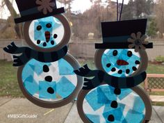 My kids loved this stained glass snowman craft from their Curiosity Box. Learn more on the blog now.