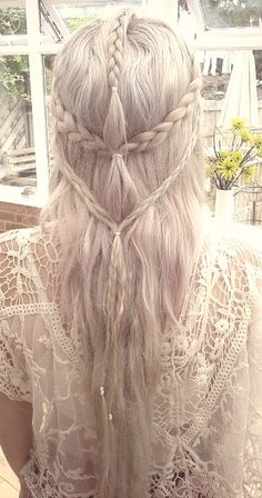 Elven hair - blonde long hair with small braids #fantasyhair #fairytale