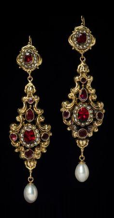 Fantasy Jewelry, Jewelry Art, Cute Jewelry, Gold Jewelry, Jewelery, Jewelry Accessories, Jewelry Design, Jewelry Ideas, Skull Jewelry