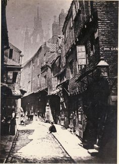 Castle Garth, looking towards St Nicholas Cathedral from the corner of Dog Leap Stairs 1881 - 'Tyne & Wear Archives & Museums' Vintage Pictures, Old Pictures, Victorian London, London History, Uk Photos, Old Street, Paris Ville, Old London, Historical Pictures