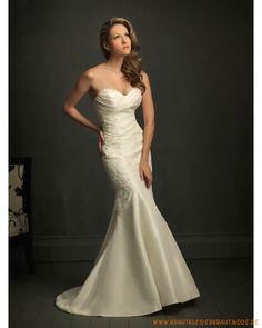 Schulterfreies Brautkleid 2013 aus Taft Herzförmiger Ausschnitt verziertes Korsett und meerjungfrausförmiger Rock mit Schleppe
