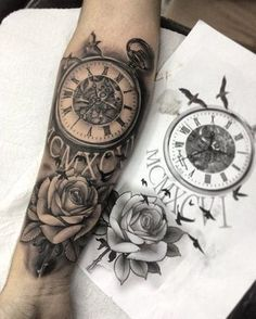 Los tatuajes de rosas y reloj tienen un fuerte simbolismo, estos representa recuerdos preciados que requieren ser inmortalizados, por ello son asombroso diseños