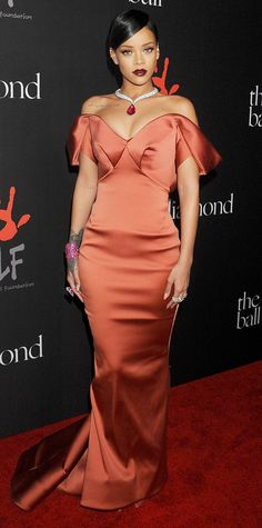 Look of the Day - December 12, 2014 - Rihanna in Zac Posen from #InStyle