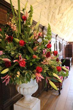 Images Painted Wedding Cake, English Manor Houses, Tudor House, Tudor History, Anne Boleyn, Summer Beauty, English Roses, Christmas Home, Building A House