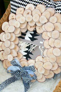 DIY wreath made from birch wood discs. Super chic, super cheap and super easy!!! retropolitan: Birch Branch Wreath...mini tutorial.