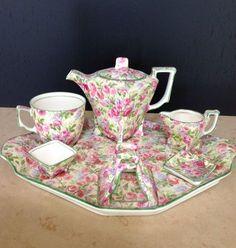 Very Rare Royal Winton Grimwades Chintz York Breakfast Set June Roses 7 Pieces Tea Pot Set, Tea Sets, Teapots And Cups, Teacups, Antique Dishes, China Tea Cups, My Cup Of Tea, Breakfast Set, Tea Service
