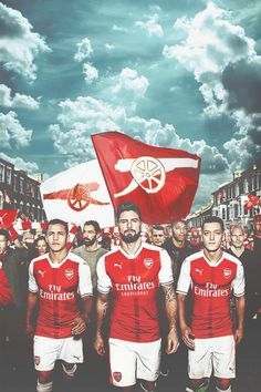 Alexis Sanchez, Olivier Giroud, Mesut Özil. Lock screen. New kits.