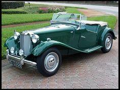 MG TD 1950 same color as my 1952 TD. BRG = British Racing Green.