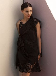 """Rooney Mara for Elle: """"People Don't Really Want Me to be Honest"""""""