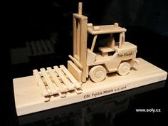 Wooden Toys, Bookends, Car, Home Decor, Wooden Toy Plans, Wood Toys, Automobile, Decoration Home, Room Decor