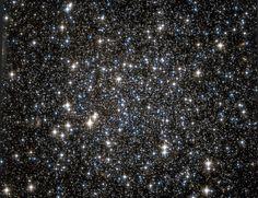 ENCUENTRAN UN MISTERIOSO ENJAMBRE DE AGUJEROS NEGROS Un cúmulo de estrellas que parecía no tener nada en especial, resultó ser una verdadera sorpresa.