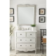 "Daleville 34"" Traditional Single Sink Bathroom Vanity in Distressed Grey"